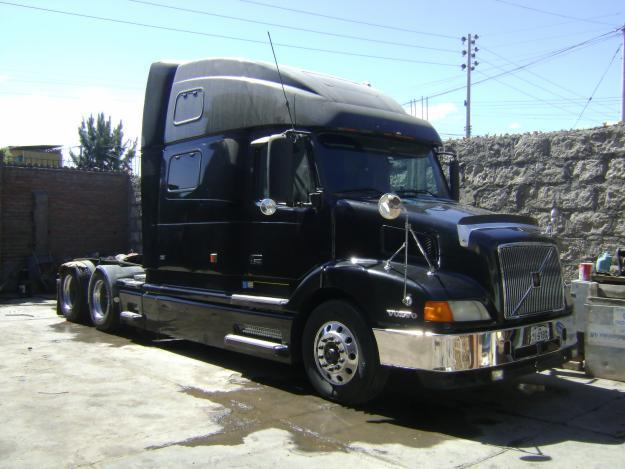 videos de camiones volvo nh12 negro