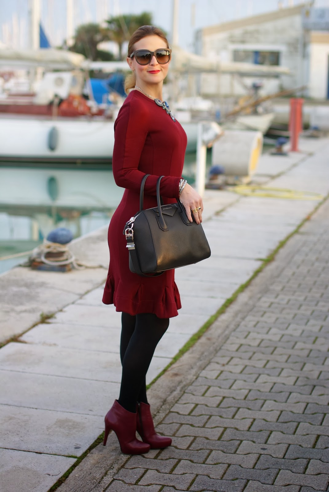 Carven burgundy dress, Givenchy Antigona bag, Icone burgundy boots, Fashion and Cookies, fashion blogger