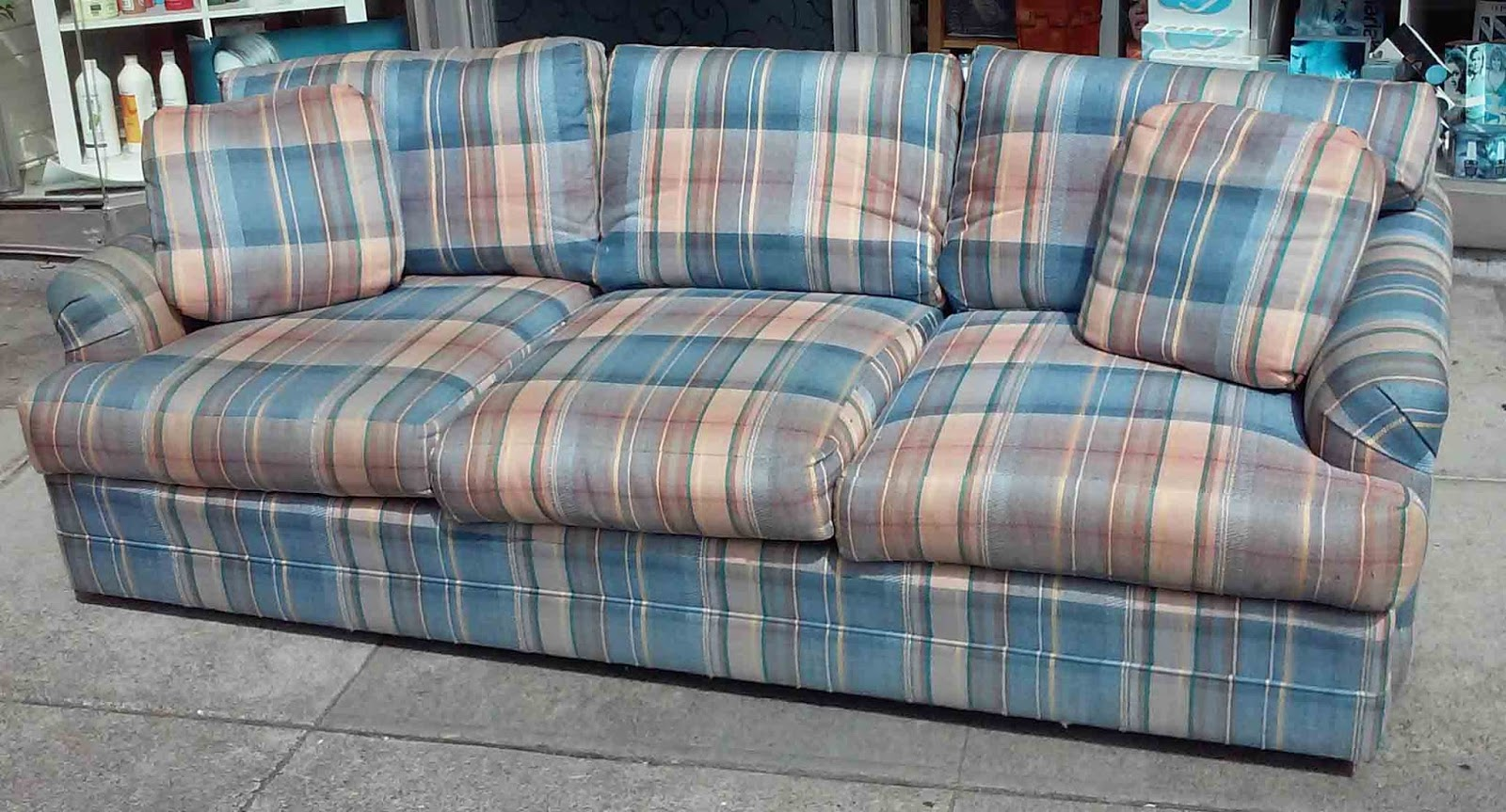 Uhuru Furniture Collectibles Sold Tasteful Plaid Sofa 80
