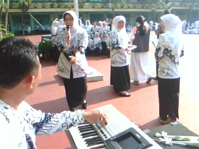 HUT PGRI Ke 67 - http://pembelajaranseni.blogspot.com