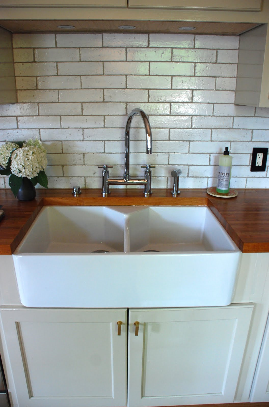 Farmhouse Sink Subway Tile