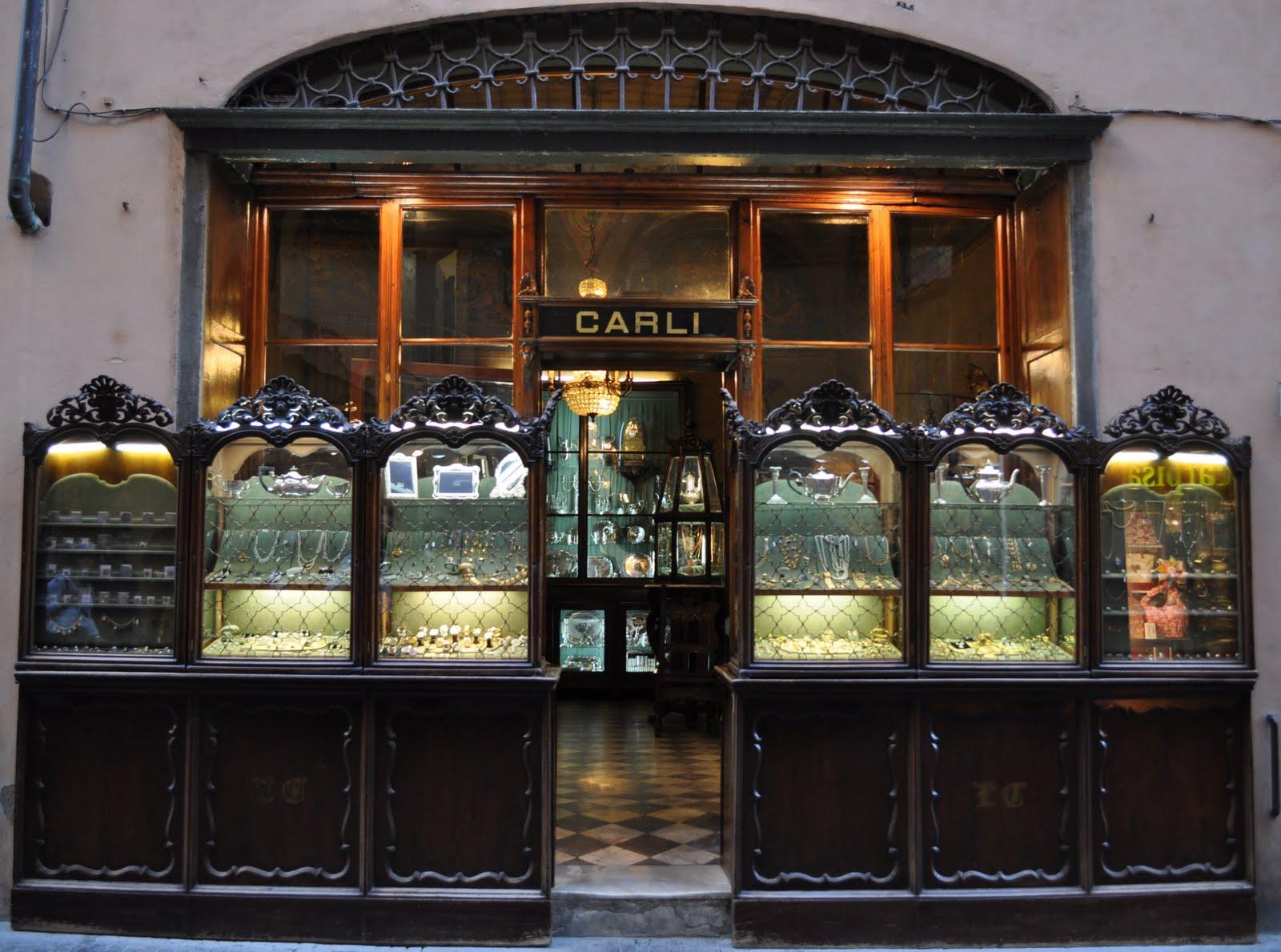 Antichi e storici negozi di lucca for Negozi arredamento lucca