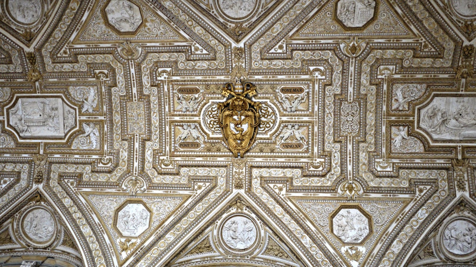 ceiling of st peter's basilica vatican city