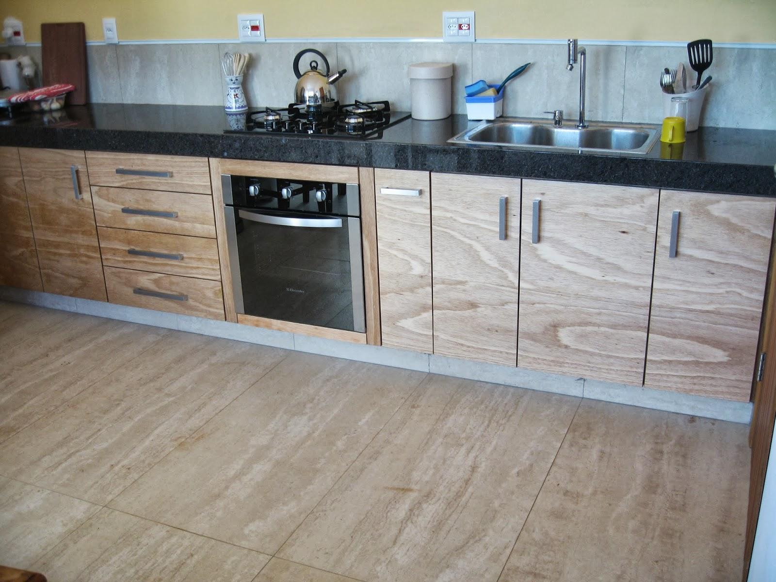 Verde Verniz: Cozinha em compensado naval envernizado com verniz PU #614938 1600x1200