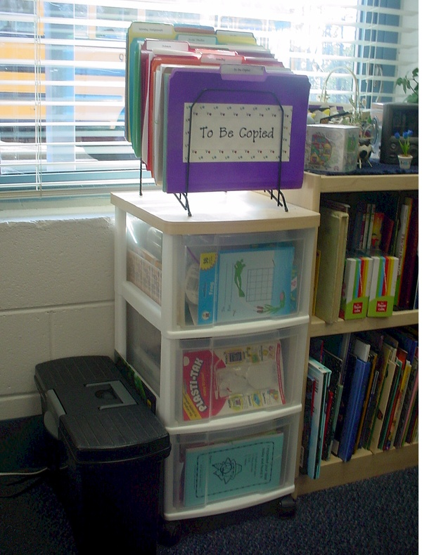 Classy gal designs and publishing classroom organization - Classroom desk organization ideas ...