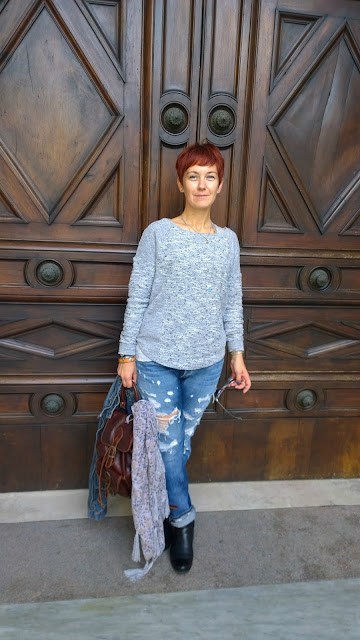http://www.funkyjungle.it/2015/10/bergamo-alta-and-distressed-jeans.html