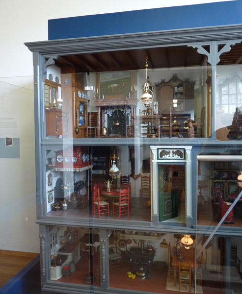 """All About Dollhouses And Miniatures: Een """"oud-Hollands"""