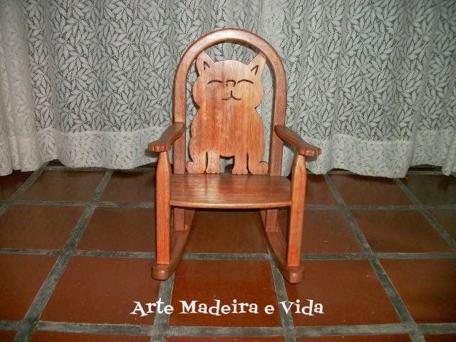 cadeira de balanço madeira