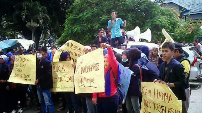 Mahasiswa Desak Pihak Terkait Audit Keuangan di Poltek Kotabaru