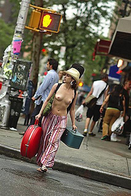 Фото обнаженная грудь