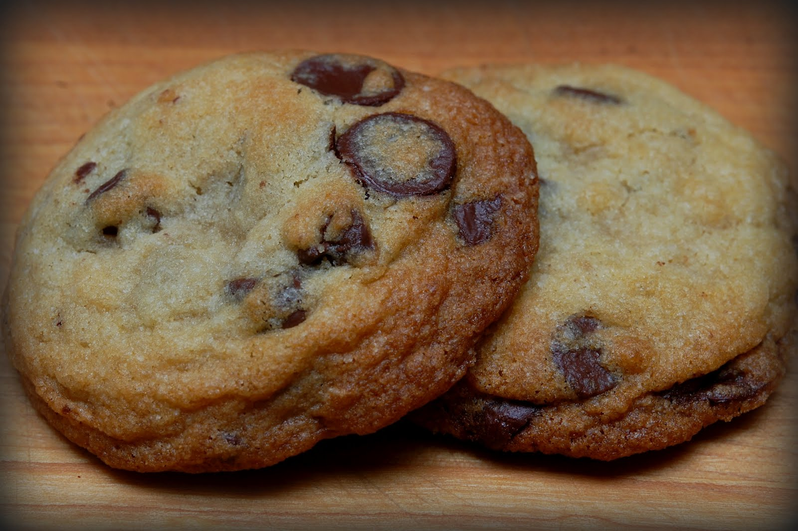 GLUTEN FREE CHOCOLATE CHIP COOKIES - Hugs and Cookies XOXO