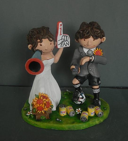 statuine torta nuziale milano sposi sposini divertenti calcio tifosi orme magiche