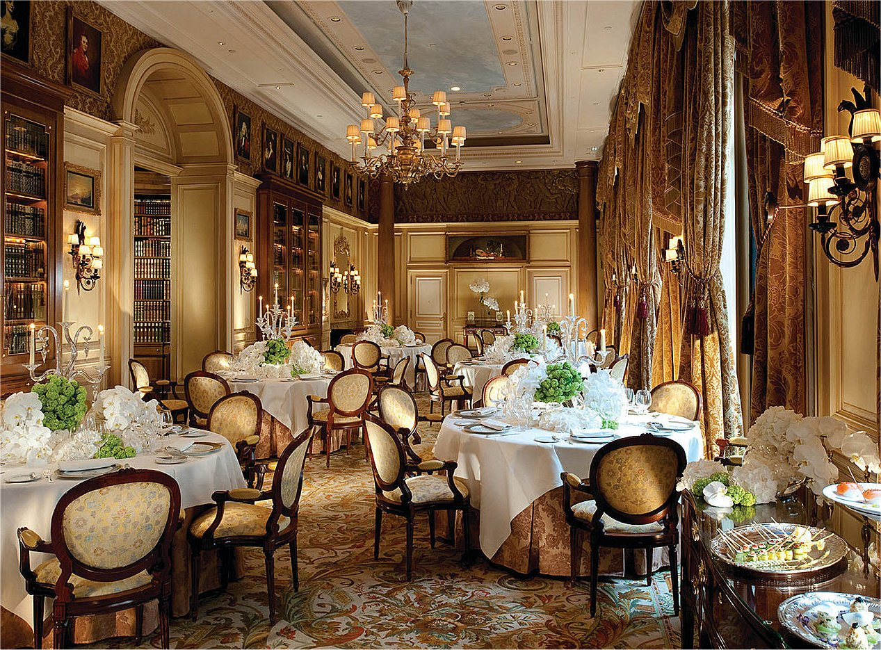 George v four seasons paris eleroticariodenadie for Paris restaurant