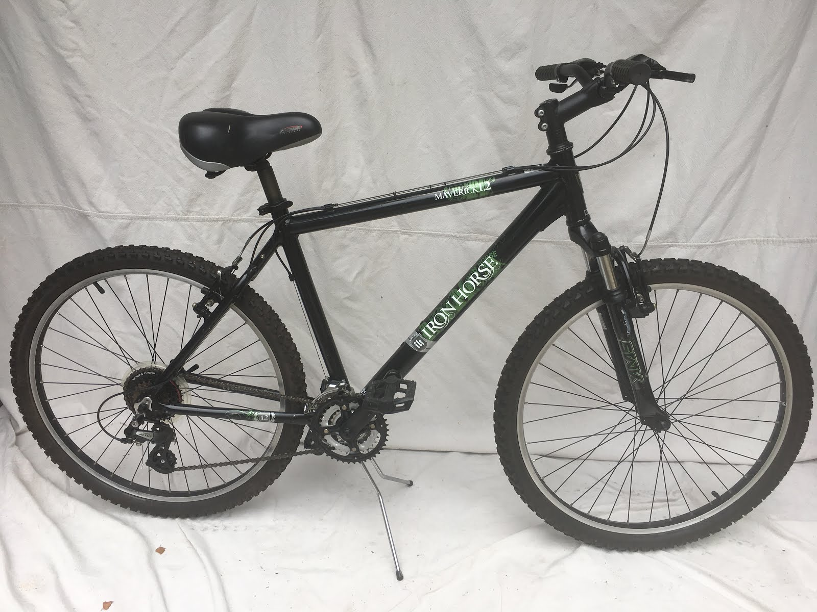 2007 Iron Horse MTB Black Maverick 2-SOLD | Whistle Bike Shop