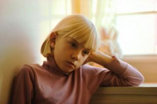 اجمل صورة طفل معبرة عن الحزن 2013