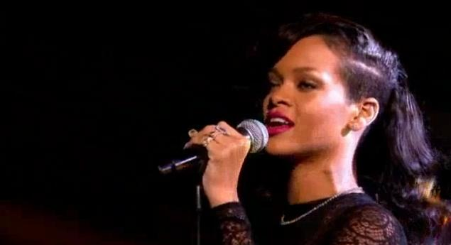 Rihanna was recently on X Factor and she performed her new top ...