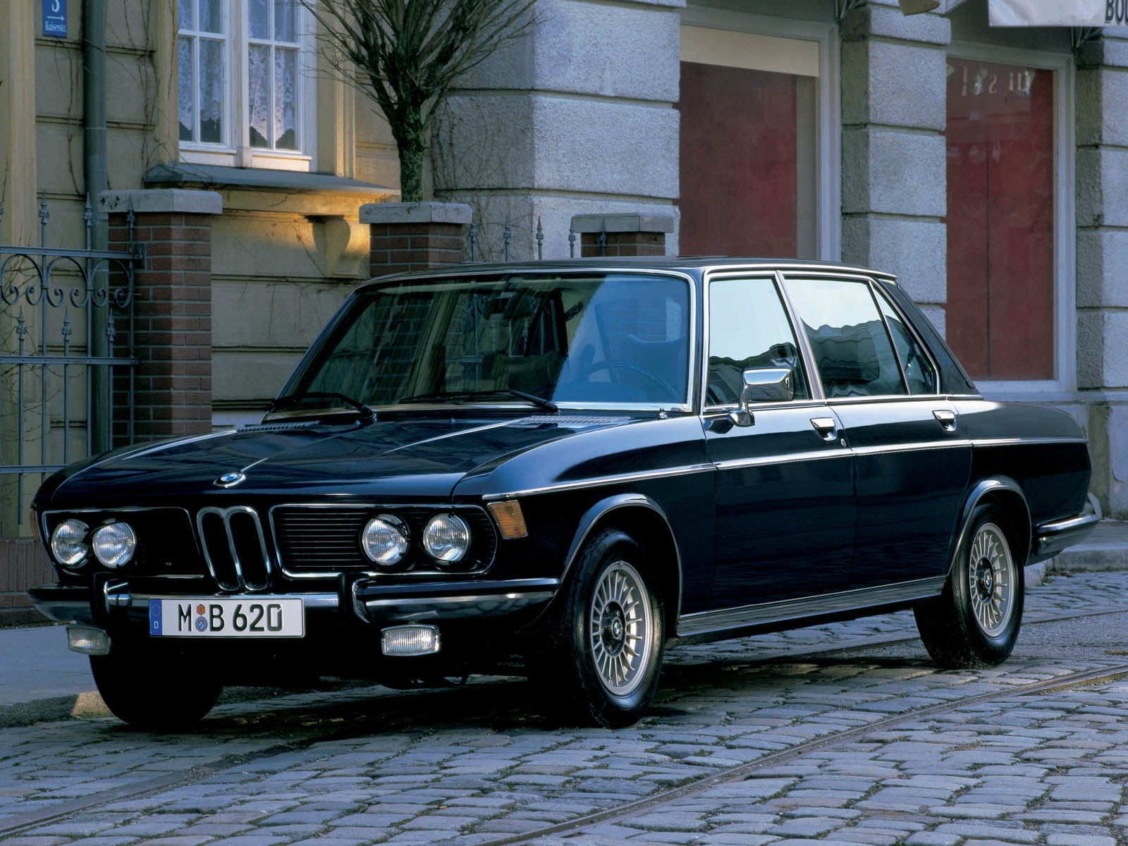 bmw classics classic cars. Black Bedroom Furniture Sets. Home Design Ideas