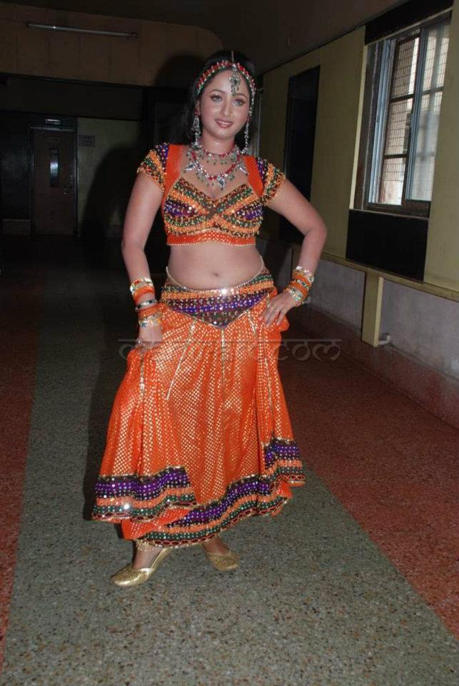 Masala Item Girls Hot Sexy Navel Exposing | Actress Hot Navel,Desi ...