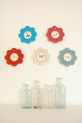 knithacker crochet picture frame colourful tutorial lola nova blog