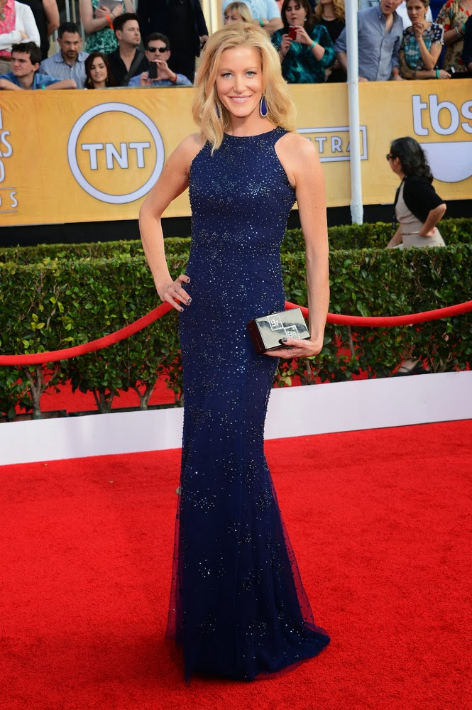 Anna Gunn in Monique Lhuillier at the SAG awards
