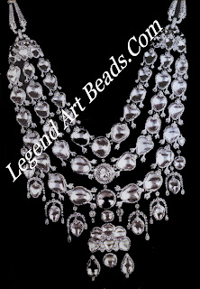 A diamond necklace created for Bhupindar Singh of Patiala in 1928 by Cartier Paris combines a modern platinum setting with Indian rose- and table-cut diamonds and the silken tie-cords traditional to Indian jewellery,.