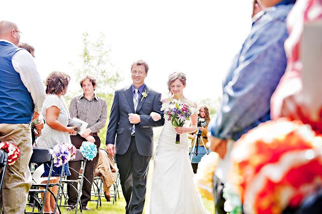 andrea+jord+15 Jordan & Andrea { Minnetonka Orchard Wedding }