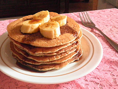 Banana Pancake  Recipe  @ http;//Treatntrick.blogspot.com