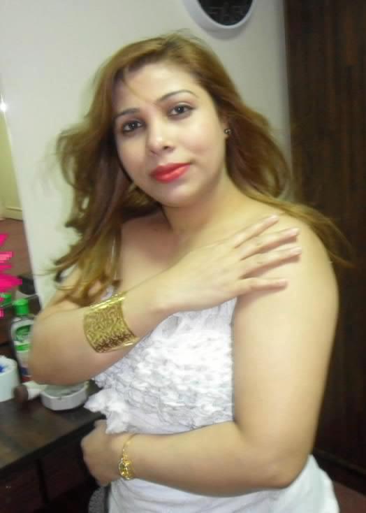 Real Life Hot Mallu Aunty