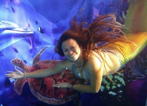 Mermaiding in the Philippines