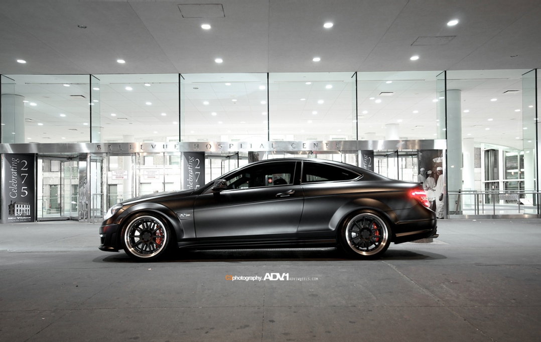 Mercedes c63 amg coupe with alloy adv 1 in times square for Garage amg auto