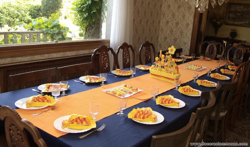 Decoracion de mesas mesa comunion con golosinas - Adornos mesa comunion ...