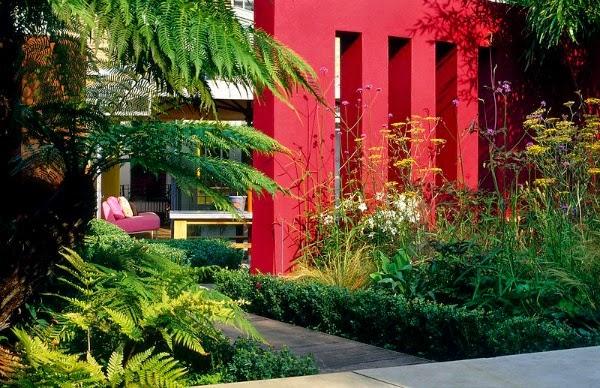 Colores para las paredes del patio o la terraza guia de for Jardines en paredes