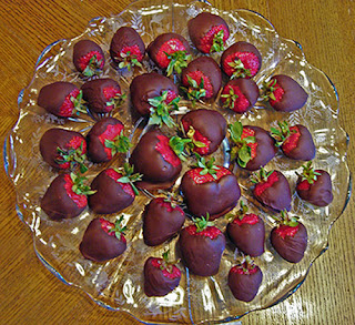 Plate of Chocolate Dipped Strawberries