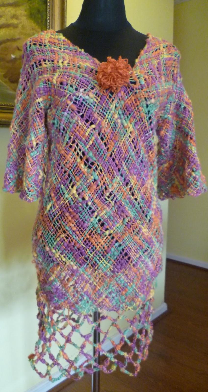 Vestido tejido con 4 cuadrados de 60x60 cm. en algodón, ocupamos 300