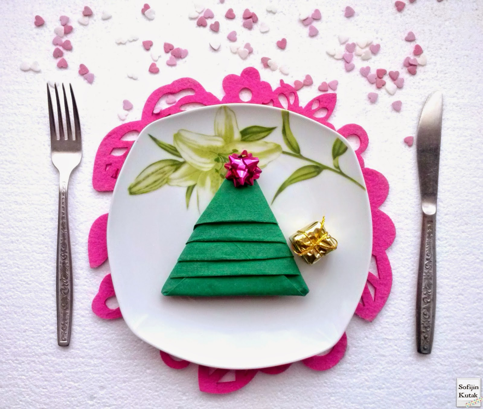 Sofijin Kutak: Christmas tree on the plate!