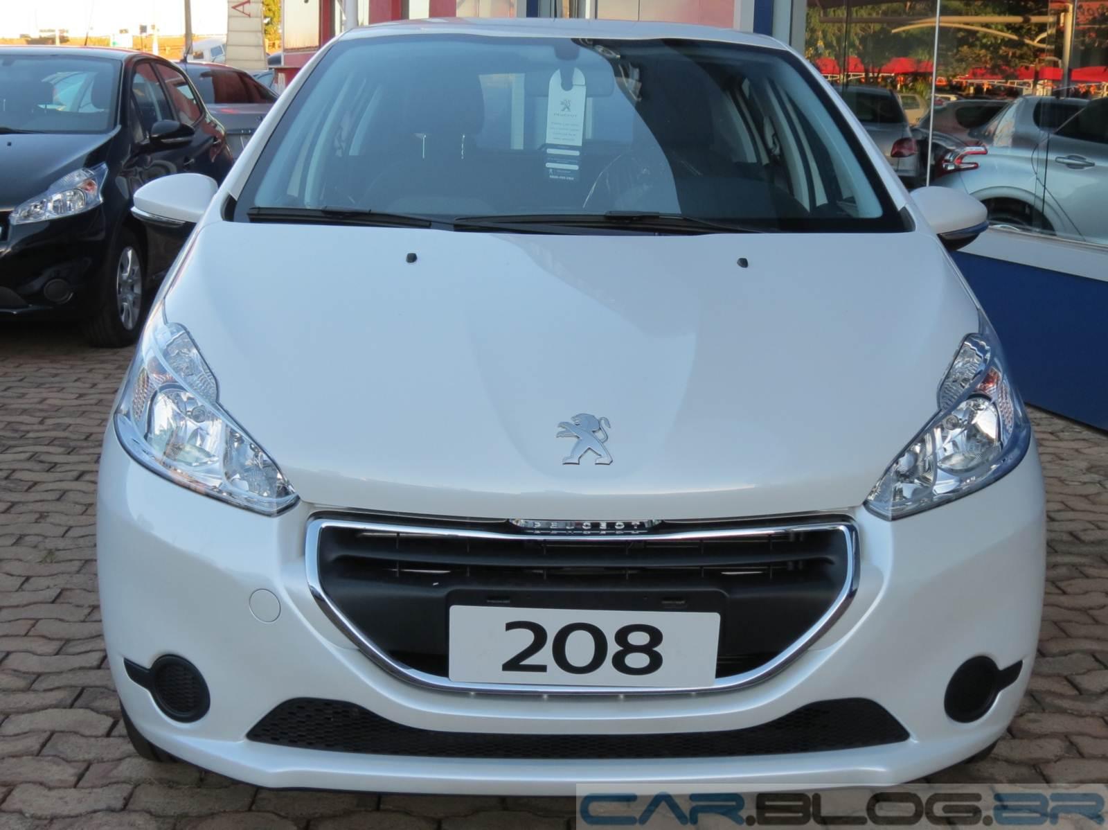 Peugeot 208 active branco nacr
