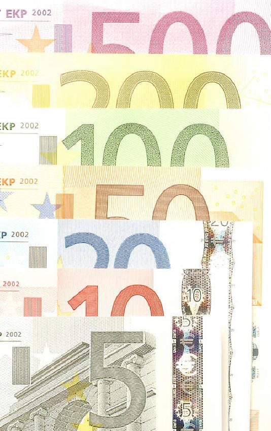 R n v euro trading