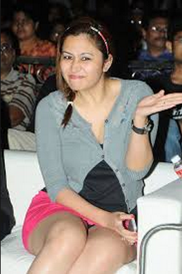 Hot Tennis Player Jwala Gutta Wardrobe Malfunction Images Pictures