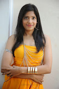actress pragathi hot photos in yellow-thumbnail-20