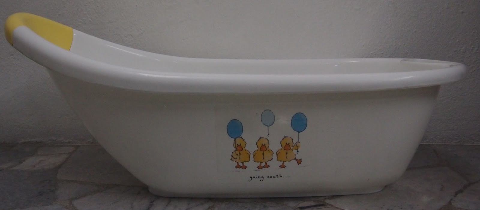 juaimurah mothercare baby bath tub duck. Black Bedroom Furniture Sets. Home Design Ideas