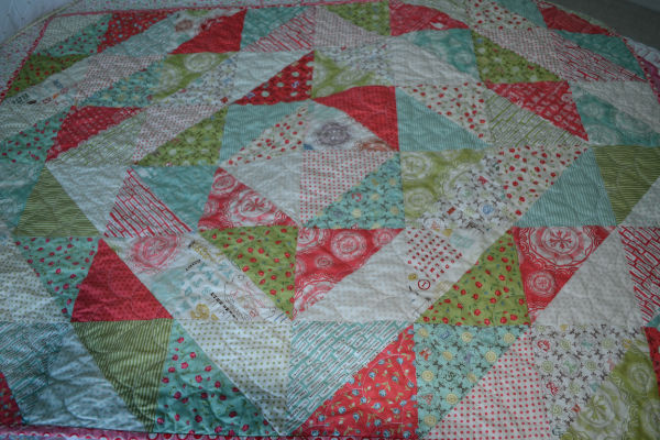 Closet Crafter: Easy Half Square Triangle Block Quilt