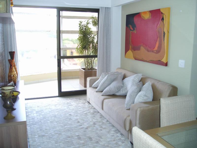 Como Decorar Sala De Estar Pequena E Simples ~  sala e abrindo a cortina podemos ver o verde e a cor novamente