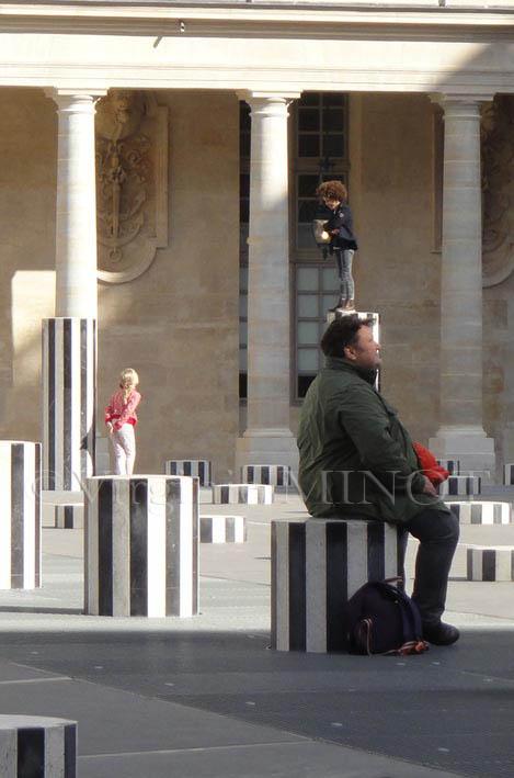 En équilibre et de passage à Paris