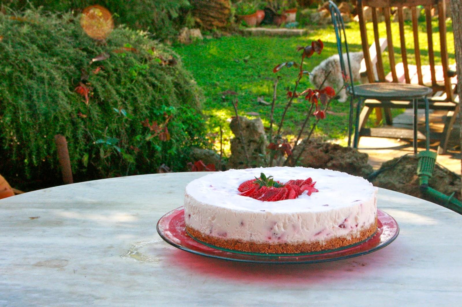 Tarta de maduixes amb nata