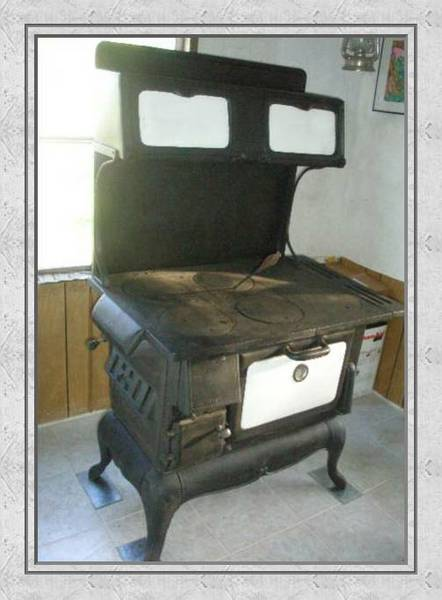There are a variety of kitchen wood cook stoves, there is one for every  decor or price range. Ebay is an excellent source for finding these old  stoves. - Wilderness Homesteading - Living In The Great North BLOG: How To