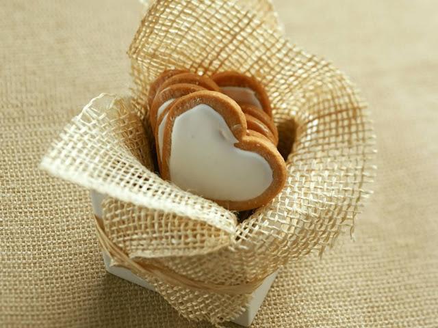 hình ảnh về tình yêu đẹp lãng mạn dễ thương, giỏ trái tim