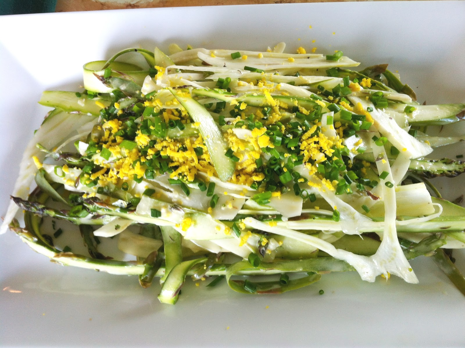 Shaved Asparagus & Fennel Mimosa Salad - Recipes4EveryKitchen