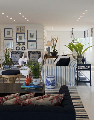 coastal chic the classic blue and white beach house