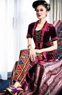 Model Kebaya 2016 Kombinasi Batik