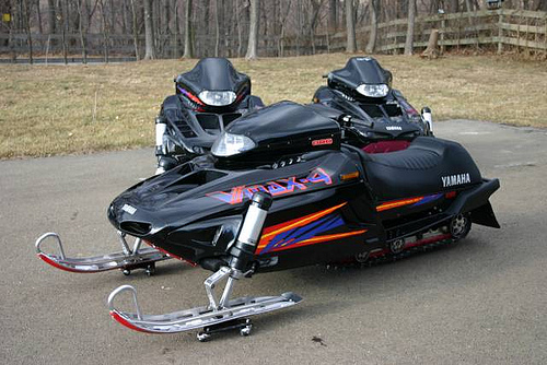 Cool bikes yamaha vmax snowmobile for Yamaha snow mobiles